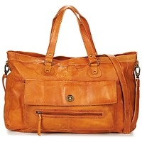 laukut Naiset Olkalaukut Pieces TOTALLY ROYAL LEATHER TRAVEL BAG COGNAC