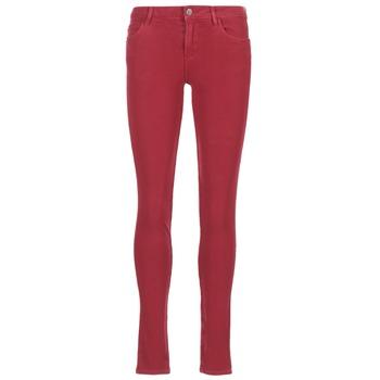 vaatteet Naiset Slim-farkut Guess SANSOPO Red