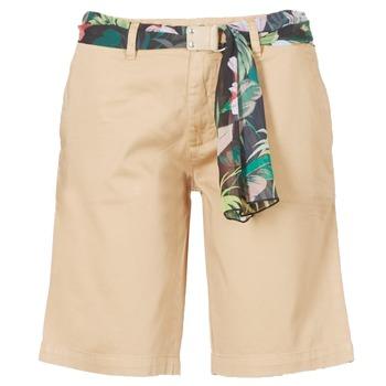vaatteet Naiset Shortsit / Bermuda-shortsit Guess BENARIO Beige