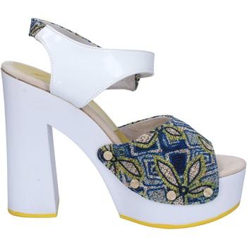 kengät Naiset Sandaalit ja avokkaat Suky Brand sandali bianco tessuto blu vernice AC487 Bianco