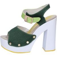 kengät Naiset Sandaalit ja avokkaat Suky Brand sandali verde tessuto vernice AB314 Verde