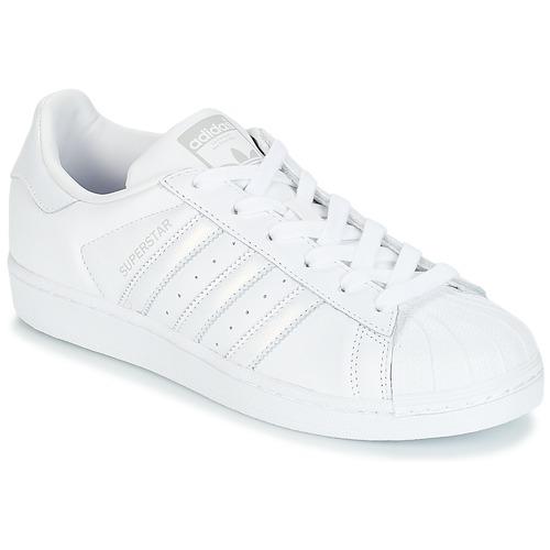 kengät Naiset Matalavartiset tennarit adidas Originals SUPERSTAR W White / Hopea