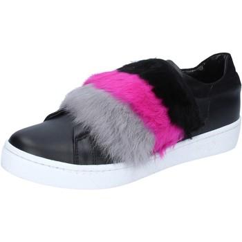 kengät Naiset Tennarit Islo sneakers nero pelle pelliccia BZ213 Nero