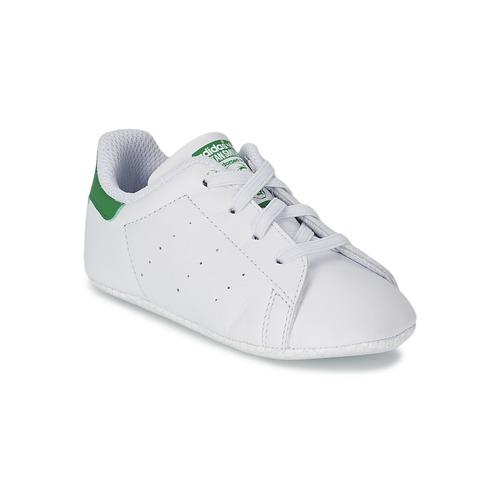 kengät Lapset Matalavartiset tennarit adidas Originals STAN SMITH GIFTSET White / Green