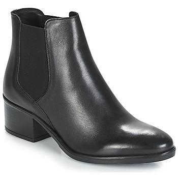 kengät Naiset Bootsit André TRIUMPHA Black