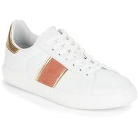 kengät Naiset Matalavartiset tennarit André FRISBEE White