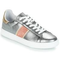 kengät Naiset Matalavartiset tennarit André FRISBEE Silver