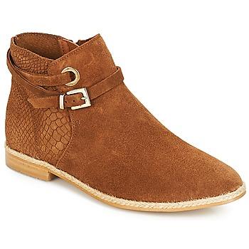 kengät Naiset Bootsit André IDAHO Camel