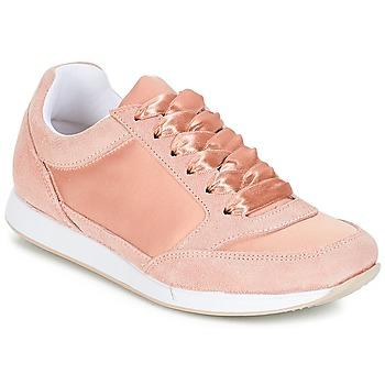 kengät Naiset Matalavartiset tennarit André OPERA Pink