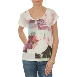 vaatteet Naiset Lyhythihainen t-paita Lee T-shirt  Night Cloud Dancer L485AUHA white