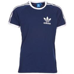 vaatteet Miehet Lyhythihainen t-paita adidas Originals SPORT ESS TEE Laivastonsininen