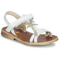 kengät Tytöt Sandaalit ja avokkaat GBB SAPELA White / Kulta