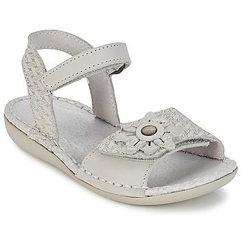 kengät Tytöt Sandaalit ja avokkaat Kickers EVANA White / Cassé