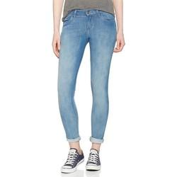 vaatteet Miehet Skinny-farkut Wrangler Super Skinny W29JPV86B blue