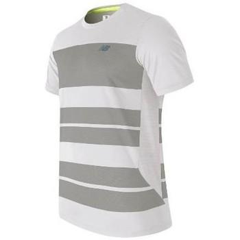 vaatteet Miehet Lyhythihainen t-paita New Balance MT53406WSV white