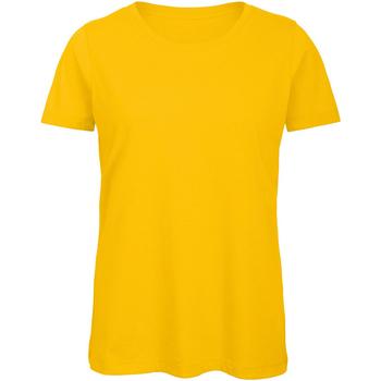vaatteet Naiset Lyhythihainen t-paita B And C TW043 Gold