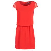 vaatteet Naiset Lyhyt mekko Betty London KOR Red